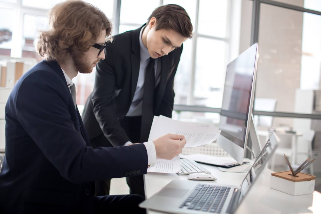 intraemprendimiento y la posición financiera