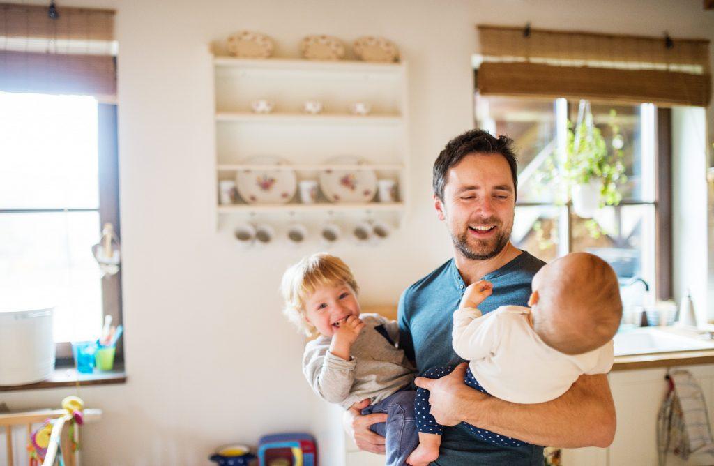 la evolución del permiso de paternidad