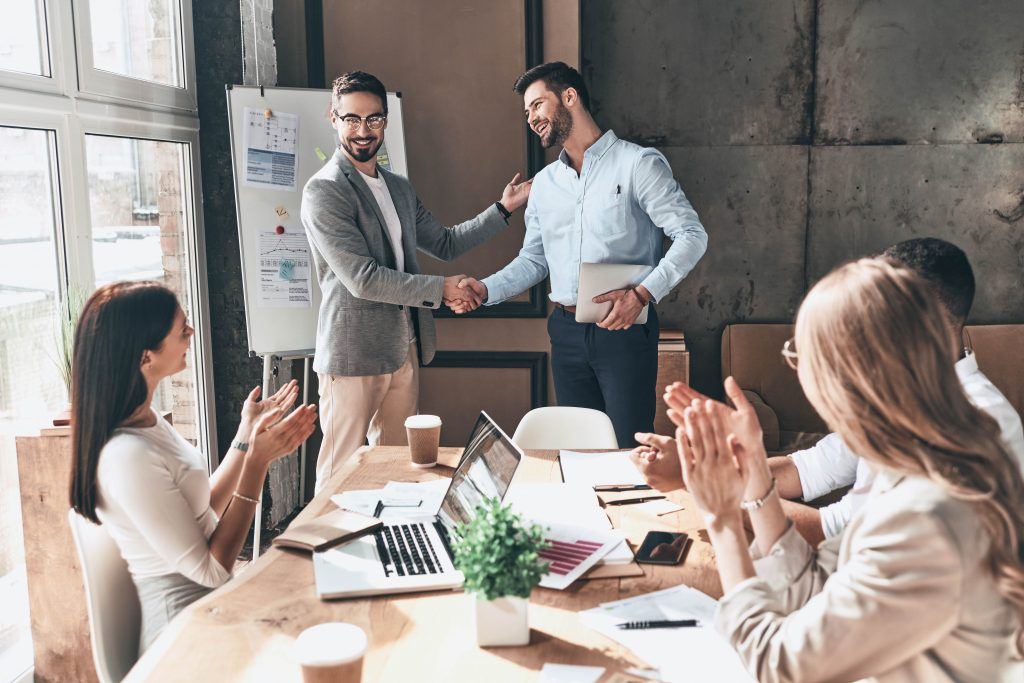 reconectar a los trabajadores de una empresa