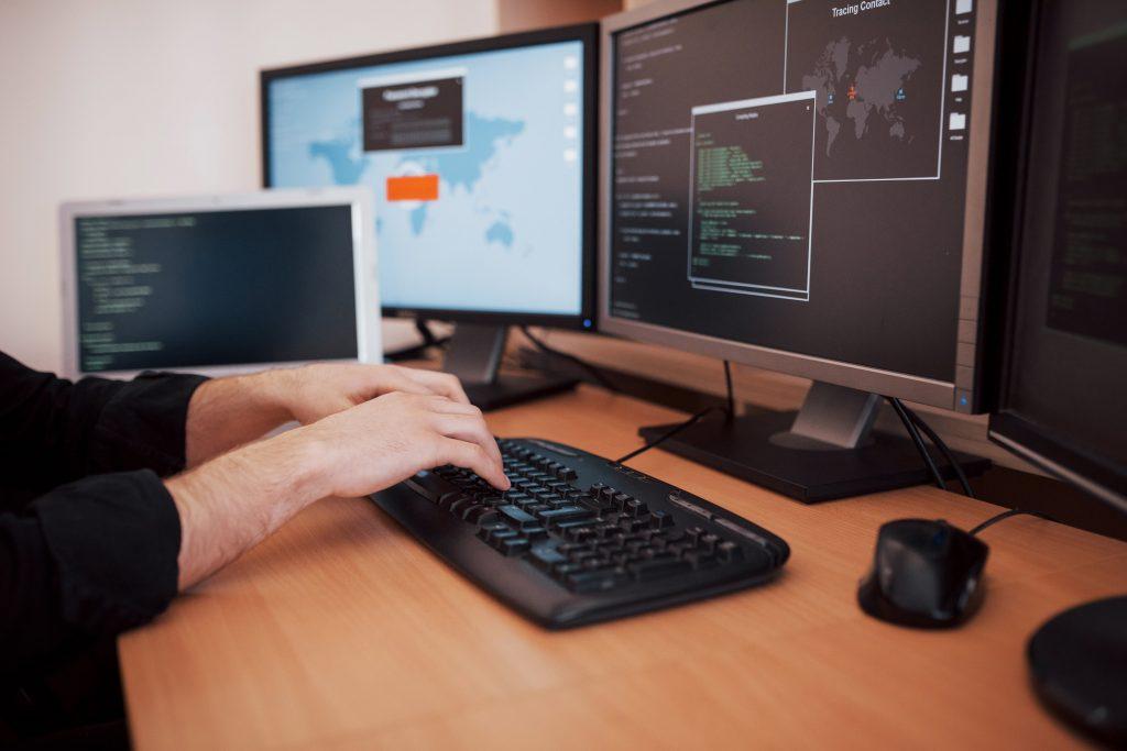 trabajar como hacker en el cni