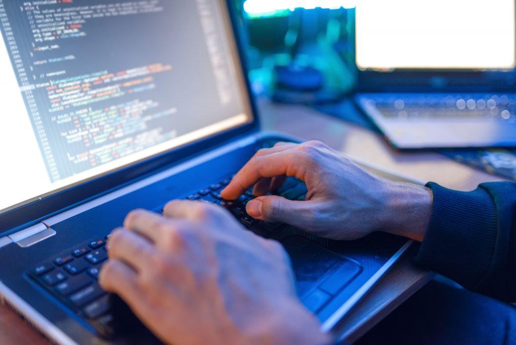 últimas fases del hacking ético: mantenimiento de acceso y borrado de huellas