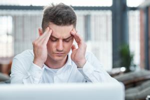 Efectos de la cefalea en el ámbito laboral